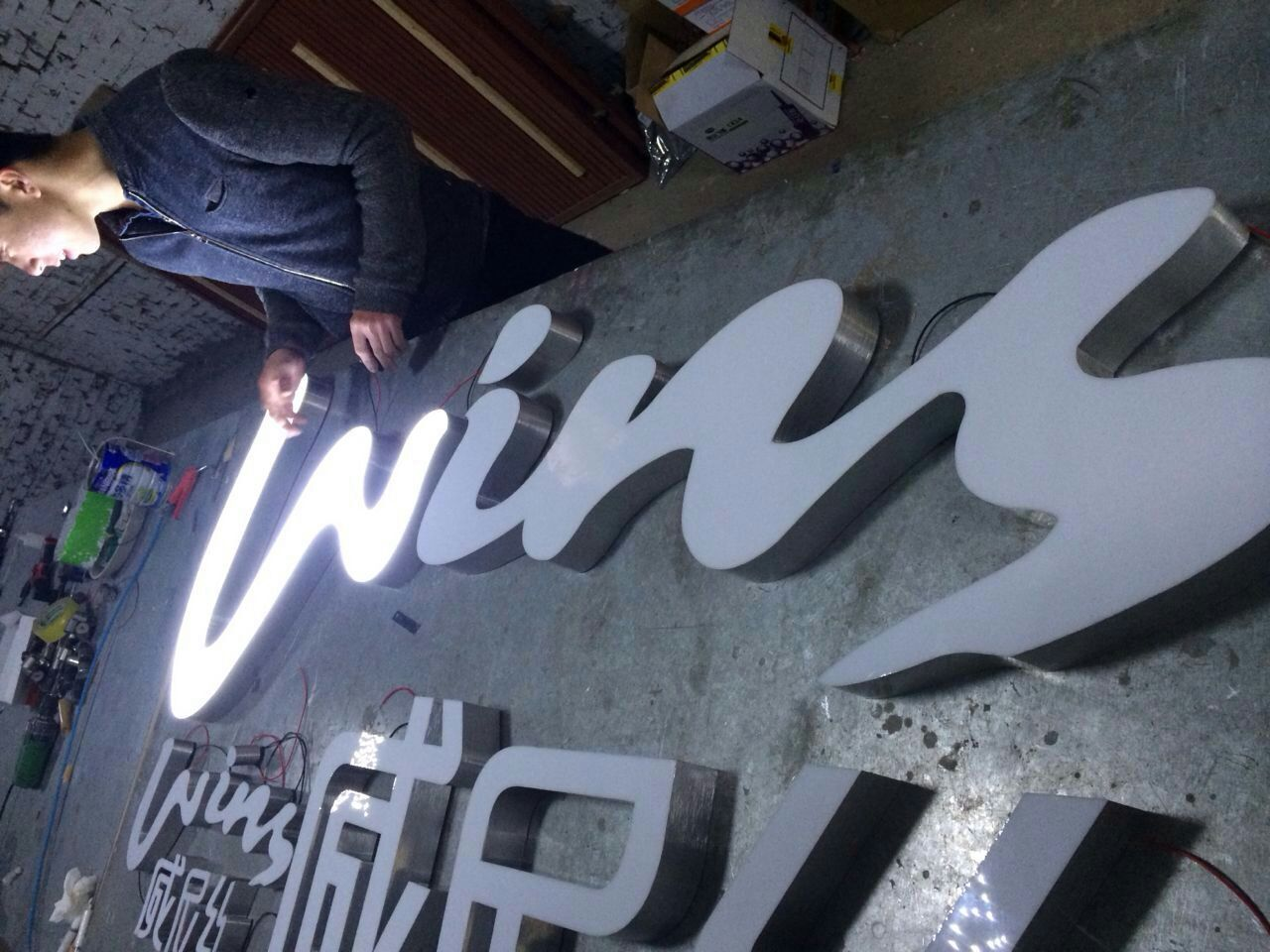 Resin-Alluminum-LED-Channel-Sign-for-Shop-Front-Signage-Gold-Silver-Black-White-Return-Rimless-UL-Listed-CE-ROHS-Certification